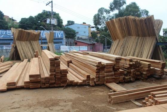 Empresa de Prancha de Madeira para Telhado Cotia - Empresa de Prancha de Madeira Madeirite Resinado