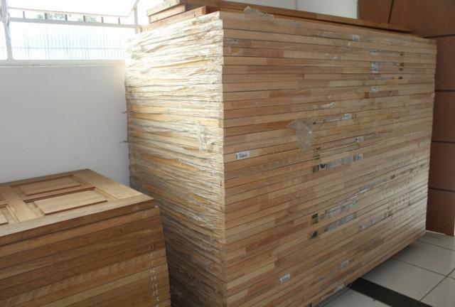 Porta Lisa Encabeçada Preço Butantã - Porta em Madeira