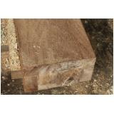 mourão de madeira
