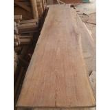 prancha de madeira com borda orgânica