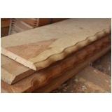 tábua de madeira aparelhada